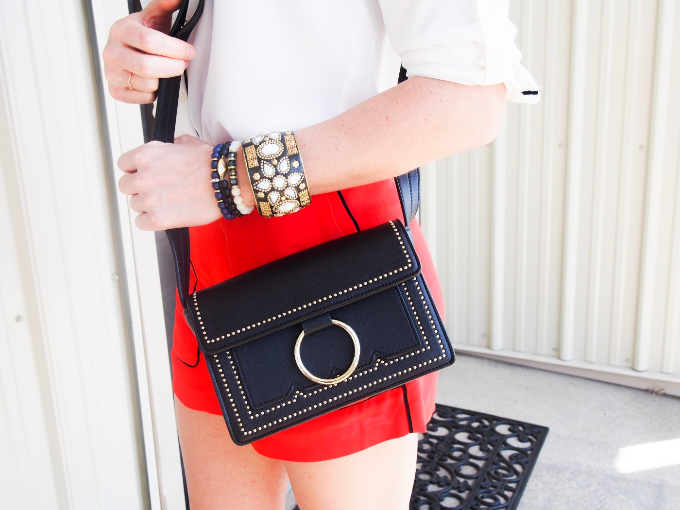 black bag with ring