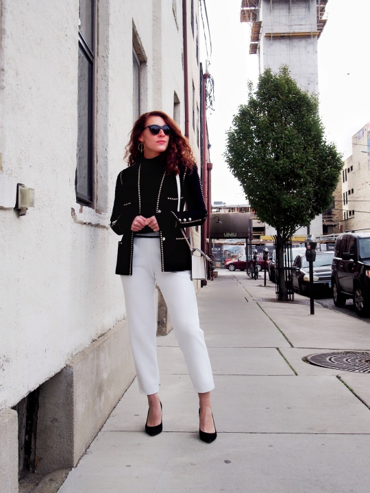 Chic black and white outfit